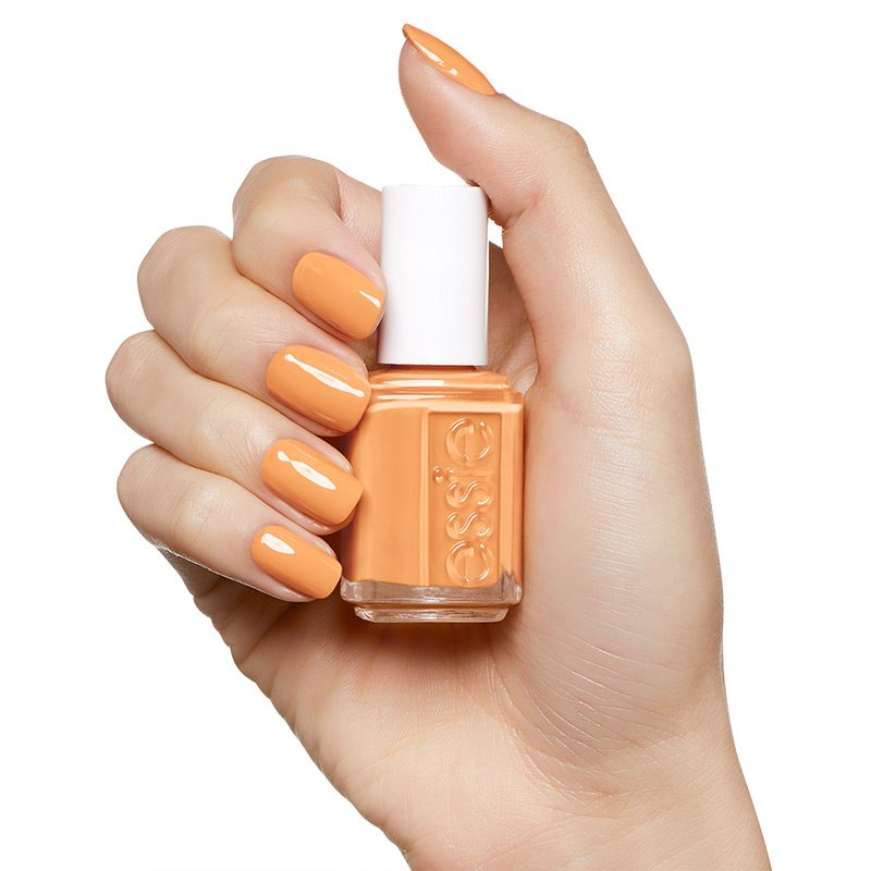 ESSIE_Fall_2018_enamel_fall_for_nyc_on_hand_800px_Goaheadshop